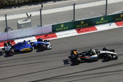 Sergio Perez, Sahara Force India F1 VJM09, vor Marcus Ericsson, Sauber C35