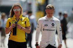(L to R): Aurelie Donzelot, Renault Sport F1 Team Media Communications Manager with Kevin Magnussen, Renault Sport F1 Team