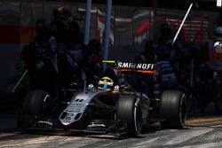 Sergio Perez, Sahara Force India F1 VJM09 beim Boxenstopp