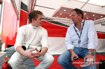 Alex Brundle talks with his his Father Martin Brundle