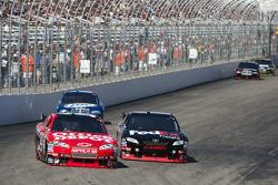 Tony Stewart, Stewart-Haas Racing Chevrolet and Denny Hamlin, Joe Gibbs Racing Toyota