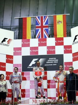 Timo Glock, Toyota F1 Team, Fernando Alonso, Renault F1 Team, Fernando Alonso, Renault F1 Team