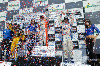 Podium: race winner Jonathan Summerton, second place Simona De Silvestro, third place John Edwards