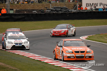 Colin Turkington leads Tom Chilton, Fabrizio Giovanardi and Matt Neal