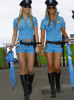 The Rizla Suzuki MotoGP girls