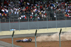 Kazuki Nakajima, Williams F1 Team, crashes out of the race