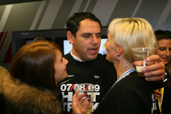 Hans-Jurgen Abt, Teamchef Abt-Audi, with his wife and daughter