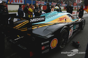 #33 Vitaphone Racing Team DHL Maserati MC 12
