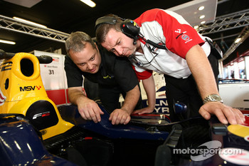 A Mountune Engineer talks with an F2 Engineer