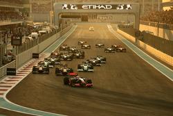 Start: Lewis Hamilton, McLaren Mercedes leads the field