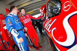 Ryan Newman, Stewart-Haas Racing Chevrolet and Tony Stewart, Stewart-Haas Racing Chevrolet