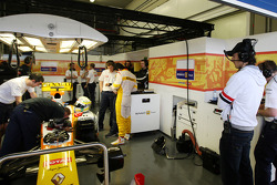 Robert Kubica in the Renault F1 Team garage