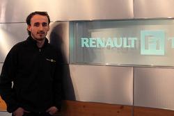 Robert Kubica visits the Renault F1 factory in Enstone