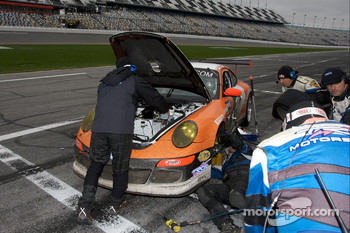 Pit stop for #71 TRG Porsche GT3: Timo Bernhard, Romain Dumas, Tim George Jr., Bobby Labonte, Spencer Pumpelly