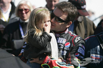 Jeff Gordon, Hendrick Motorsports Chevrolet wit his daughter Ella Sophie