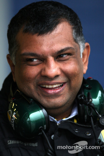 Tony Fernandes, Lotus F1 Team, Team Principal