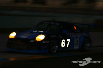 #67 TRG Porsche GT3: Spencer Pumpelly, Enrique Saravia Toriello
