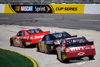 Juan Pablo Montoya, Earnhardt Ganassi Racing Chevrolet, Sam Hornish Jr., Penske Racing Dodge, Clint Bowyer, Richard Childress Racing Chevrolet