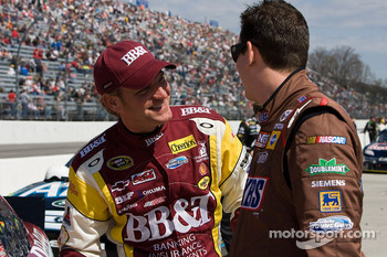 Clint Bowyer, Richard Childress Racing Chevrolet and Kyle Busch, Joe Gibbs Racing Toyota