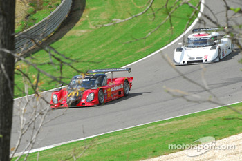 #77 Doran Racing Ford Dallara: Memo Gidley, Dion von Moltke followed #8 Starworks Motorsports BMW Riley: Ryan Dalziel, Mike Forest