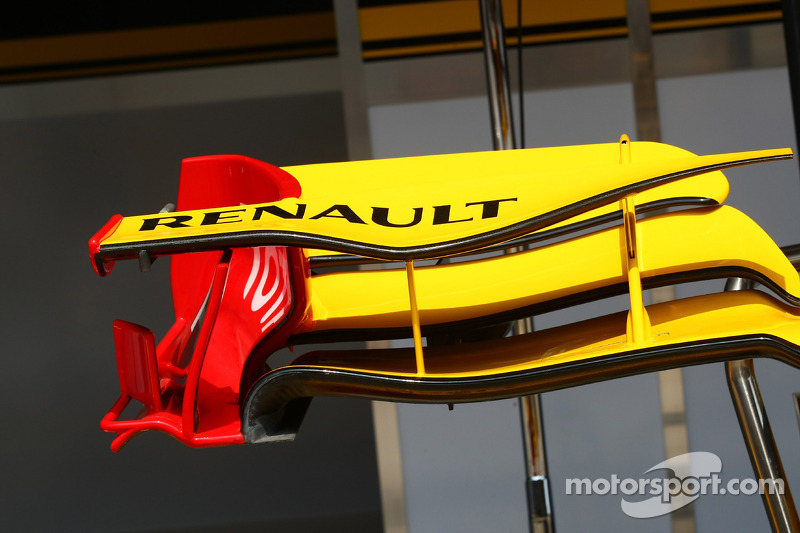 Renault fron wing