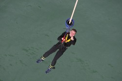 Miikka Anttila bungee jumps from Auckland Bridge