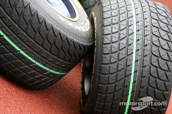 Bridgestone tyres, wet