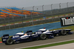 Nico Hulkenberg, Williams F1 Team and Rubens Barrichello, Williams F1 Team