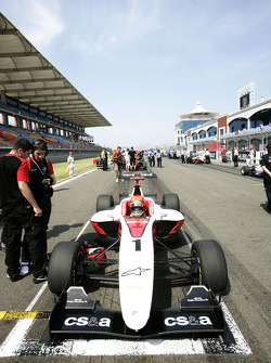 Alexander Rossi on the grid