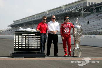 2010 Indianapolis 500 Champion Dario Franchitti, Target Chip Ganassi Racing, 2010 Daytona 500 Winner Jamie McMurray, Earnhardt Ganassi Racing and Team Owner Chip Ganassi