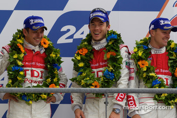 LMP1 podium: second place André Lotterer, Marcel Fässler and Benoit Tréluyer