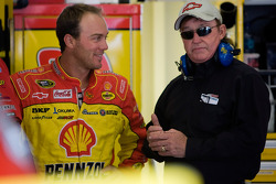 Kevin Harvick, Richard Childress Racing Chevrolet and team owner Richard Childress