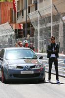 Формула 1 Фото - Эстебан Окон, тестовый пилот Renault Sport F1 Team с Renault Megane R26.R