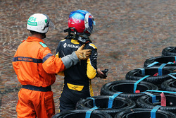 Jolyon Palmer, Renault Sport F1 Team crashed out of the race