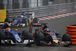Felipe Nasr, Sauber F1 Team C35 and Daniil Kvyat, Scuderia Toro Rosso STR11
