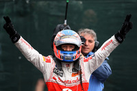 Formula 1 Foto - Race winner Jenson Button, McLaren Mercedes