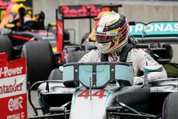 Pole sitter Lewis Hamilton, Mercedes AMG F1 W07 Hybrid in qualifying parc ferme