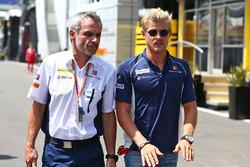 Marcus Ericsson, Sauber C35 with Beat Zehnder, Sauber F1 Team Manager