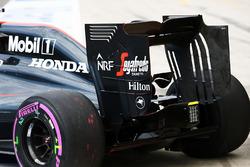 Fernando Alonso, McLaren MP4-31 rear wing end plate