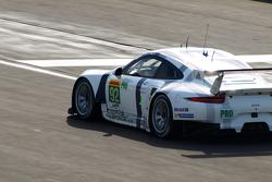 #92 Team Manthey Porsche 911 RSR - Pilet & Makowiecki