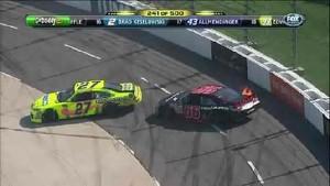 4-Car Wreck Piles Up on 240 - Martinsville Speedway 2011