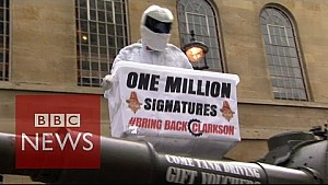 'The Stig' delivers Jeremy Clarkson petition - BBC News