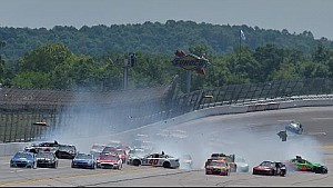 Bayne triggers 15-car pileup at Talladega