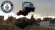 Salto de longitud del Truck: nuevo récord mundial.