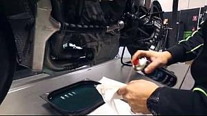 Cambio de aceite de Kawasaki Racing Team | Superbike