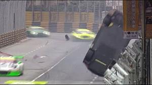 Laurens Vanthoor huge crash at Macau in the main race