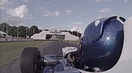 Damon Hill en el Williams FW18 en Goodwood