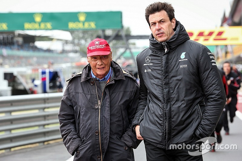 "Wolff feels ""like a zombie"" after Lauda's death"