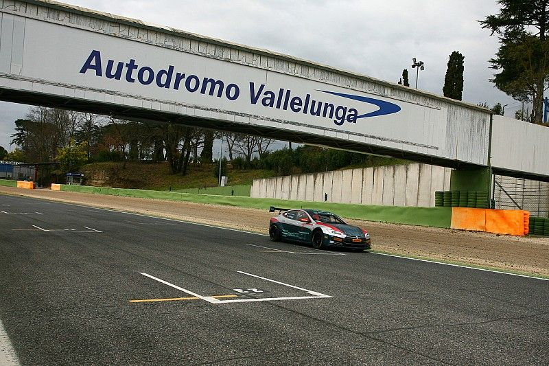 Di Grassi tests Electric GT Tesla