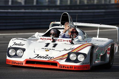 Фото: парад классических машин Ле-Мана перед гонкой Ф1 в Австрии